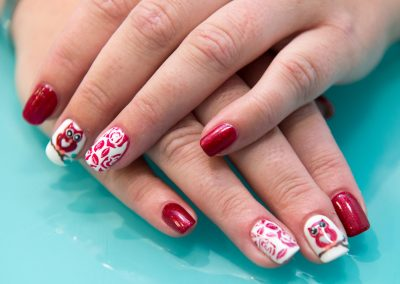 artificial-nails-manicure